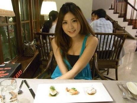 台湾美女主播朱芳君